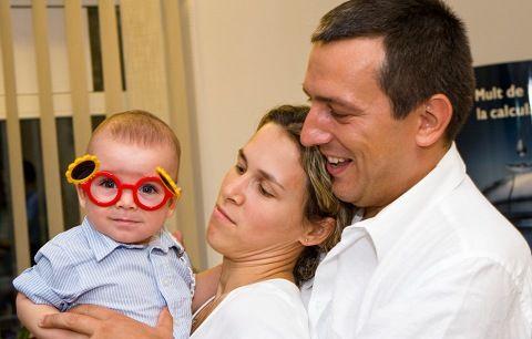 Doctor care verifică vederea