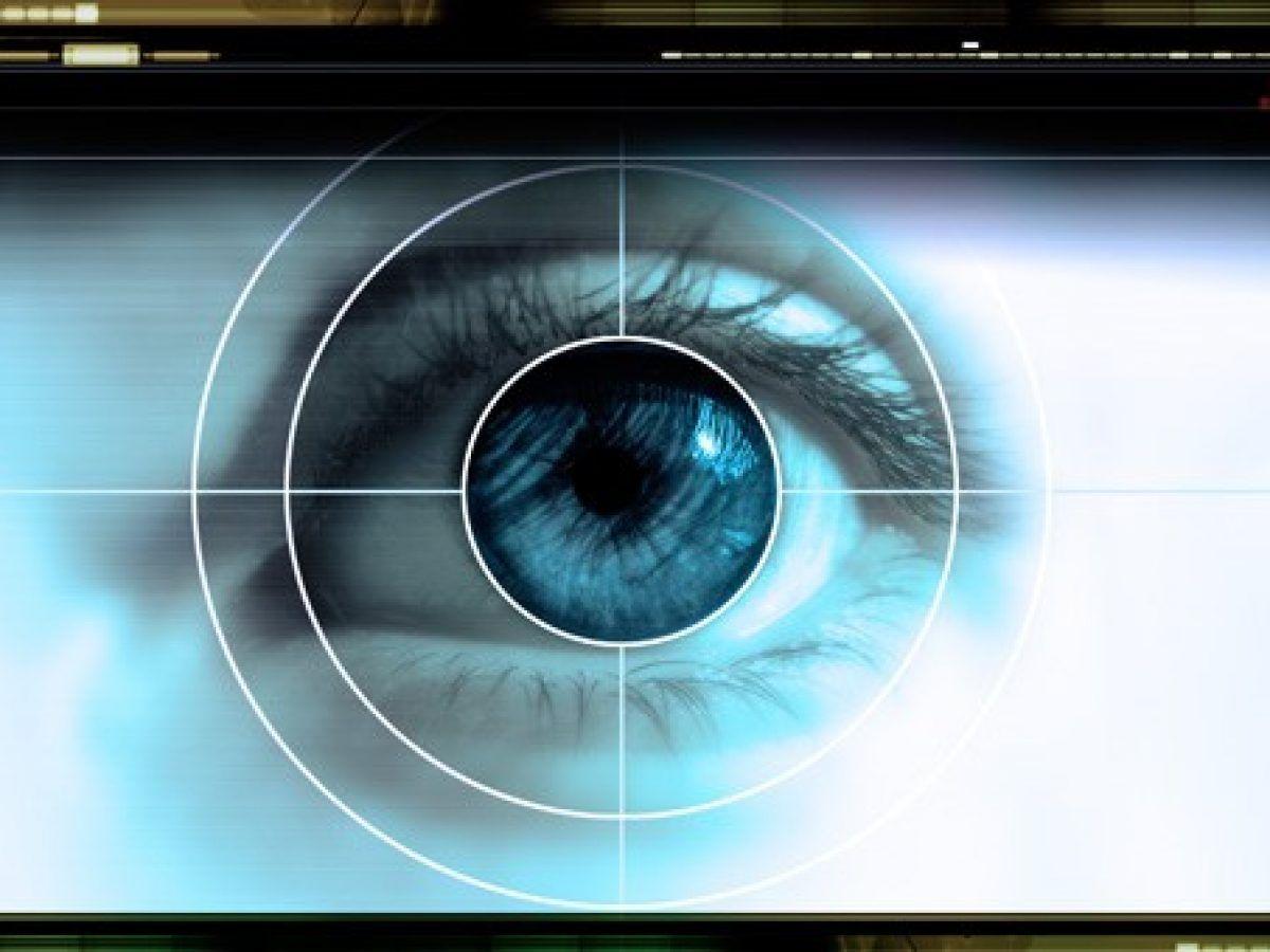 Cum pot afecta sănătatea ochilor monitoarele calculatoarelor și ale telefoanelor | 7-pitici.ro