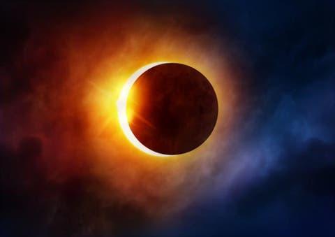 Cum ne protejam ochii daca vrem sa urmarim o eclipsa de Soare? Recomandarile unui medic oftalmolog