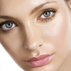 Vara și lentilele de contact: Top 10 alimente benefice pentru ochi
