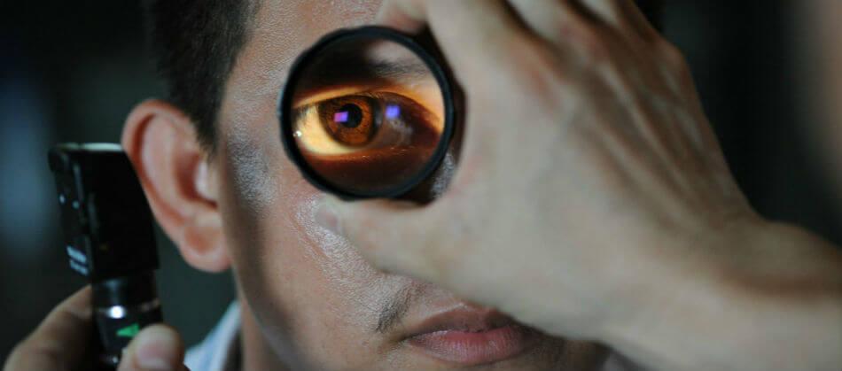 dua pentru vederea ochilor