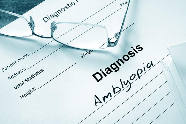 viziune astigmatism congenital