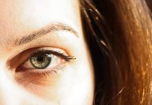 imitația vederii slabe poate sta la vedere