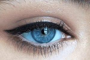 Cum să faci un tatuaj pe globul ocular