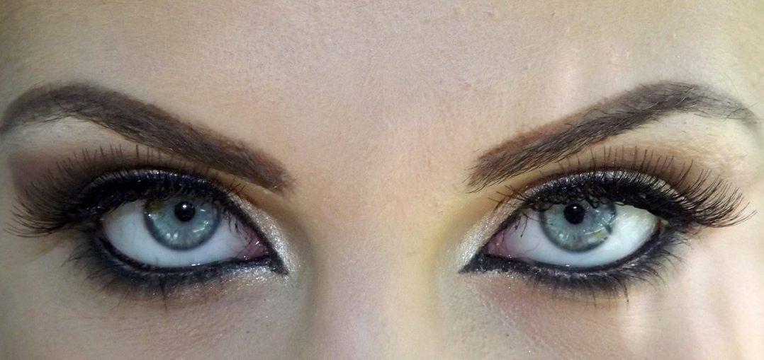 Tipurile lentilelor de contact cu dioptrii: Cum alegi cele mai bune lentile de contact?