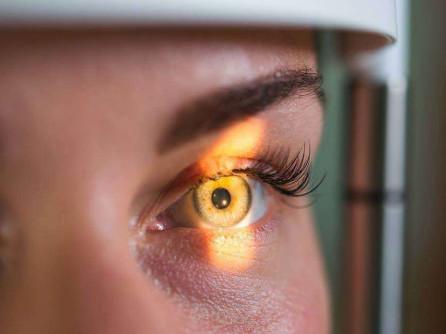 operație pentru a opri pierderea vederii restabilirea vederilor