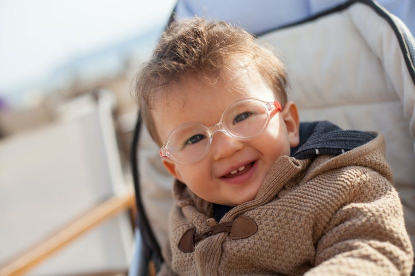 vedere încețoșată a ochiului și tratați echipament medical pentru vedere