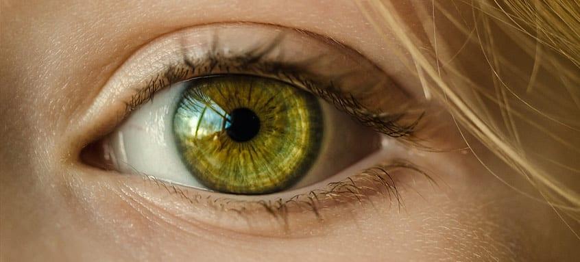 monitoriza afectarea ochilor