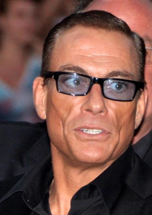 Comentarii - Jean-Claude Van Damme - 7-pitici.ro