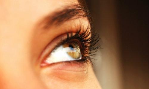 Îmbunătățirea viziunii masajului ochilor